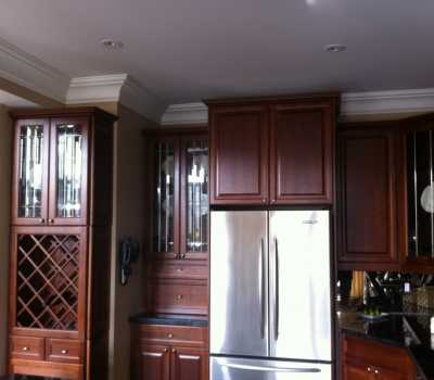 molding above cabinets
