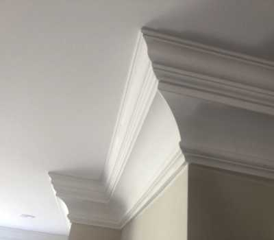 crown moulding installation 400x350 - Crown Moulding