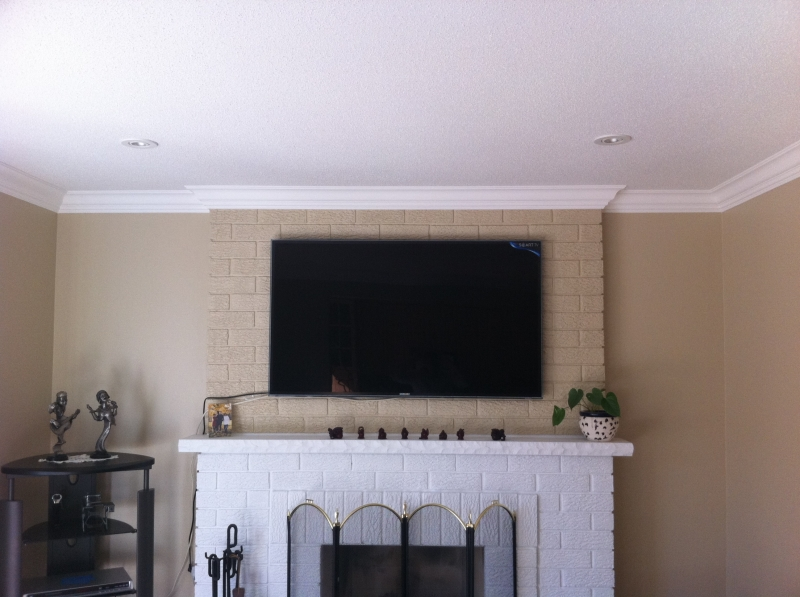 crown molding in living room