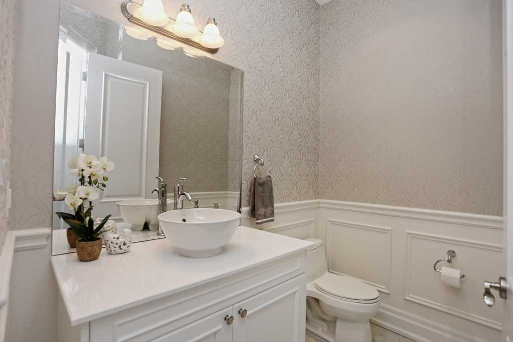 Bathroom wainscotting Toronto