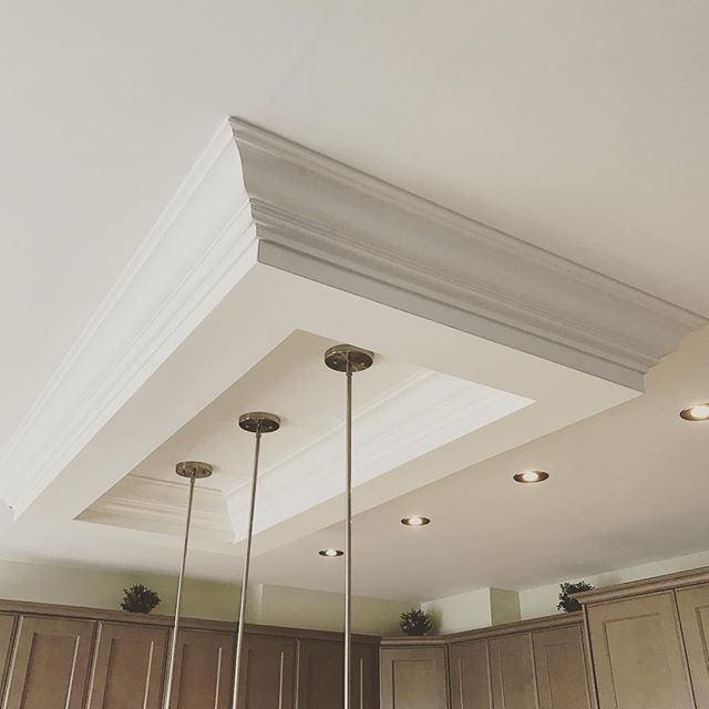 Ceiling moulding VIP - Crown Moulding Installation