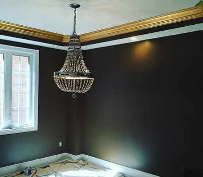 Crown moulding in gold