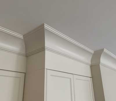 kitchen cabinets with Cornice Moulding trim Toronto