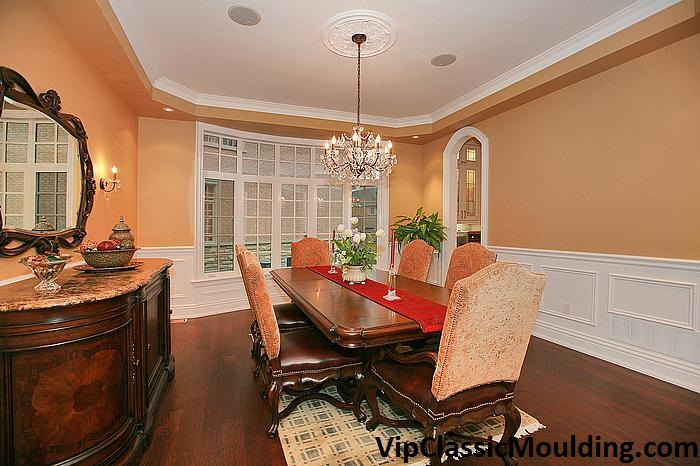 Modern Dining Room with Crown Moulding Decor Barrie